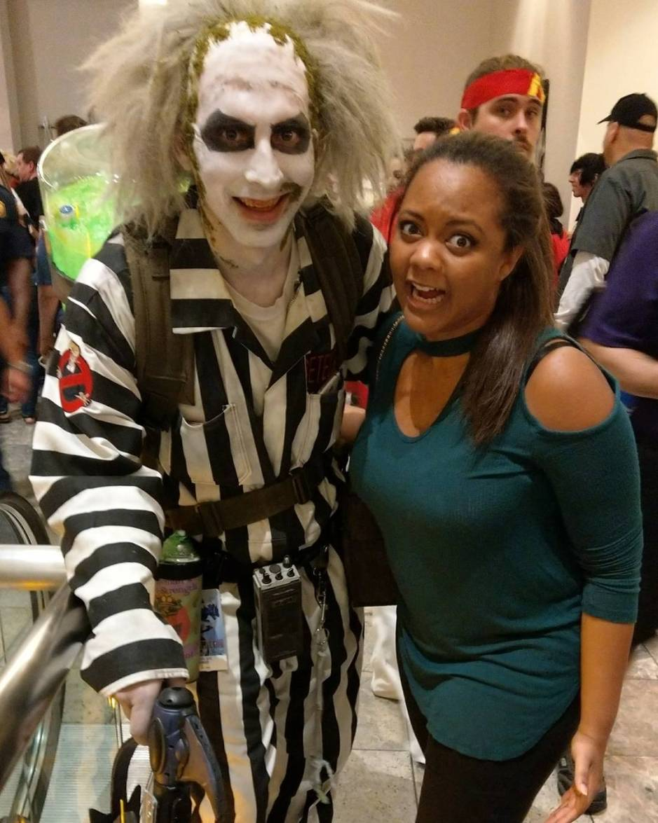 Beetle juice and a scared woman at Dragon Con Keri Elaine